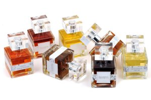 Povidence Perfume Cº quare botle
