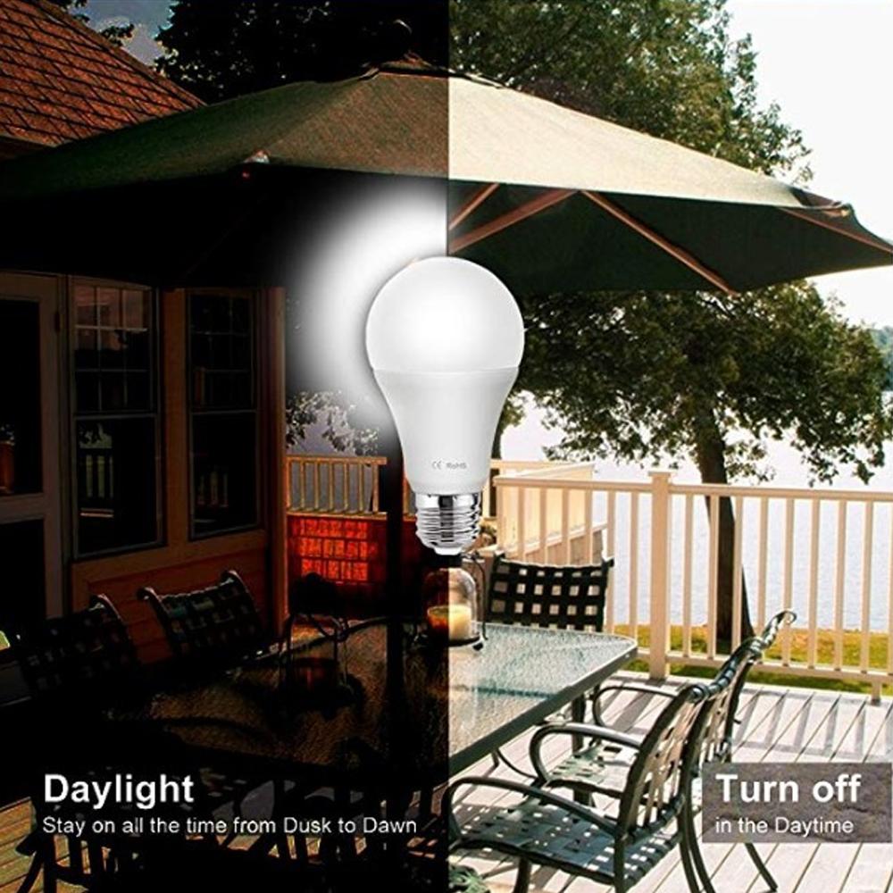 Foco LED Encendido Y Apagado Automático Con Sensor De Luz