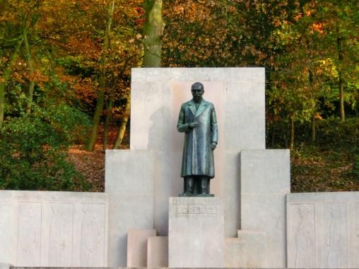 lorentz-monument