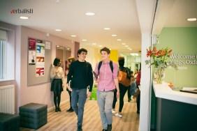 Studenti jezicke mreze Verbalisti u Oksfordu, kampus St. Josephs