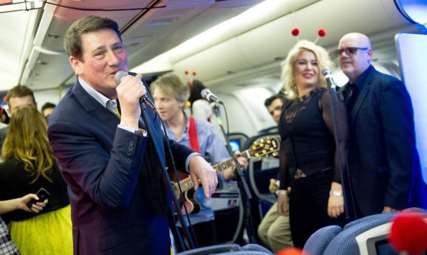 Tony Hadley i Kim Wilde, koncert u avionu
