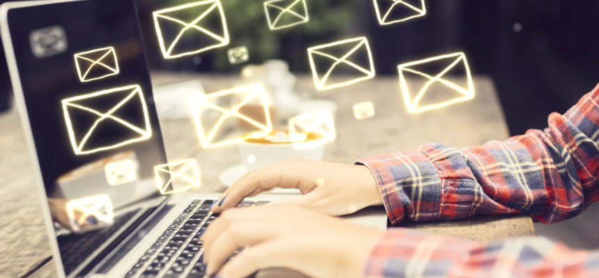 How to write emails, learn English with Verbalists