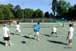 highly-experienced-coaching-staff-nike-tennis-camp-in-the-uk