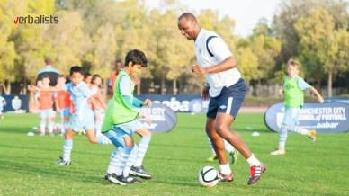 patrick-vieira-se-pridruzio-na-treningu-najmladje-grupe-fudbalski-kamp-manchester-city-verbalists