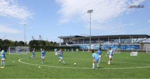 polaznici-skole-fudbala-treniraju-i-borave-na-istim-terenima-kao-i-prvotimci-manchester-city