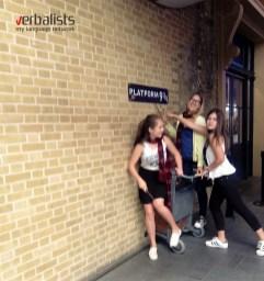 Polaznice jezičke mreže hvataju voz za Hogwarts