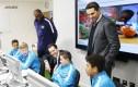 Fudbalska akademija Manchester City, Patrick Vieira i George Osborne sa polaznicima, Verbalisti