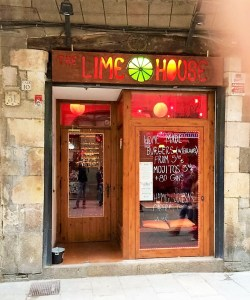 lime-house-bar-in-barcelona-verbalists