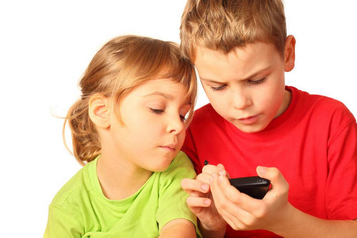 children-smartphone