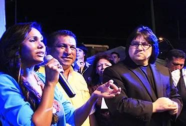 El Alcalde Alfredo Díaz, la Primera Dama y sus hijas compartieron tarima con Orellana / VyV