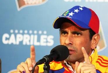 Henrique Capriles dirigiéndose al país para pedir reconteo de los votos, minutos después del anuncio de los reusltados por parte del CNE / Diario La Voz