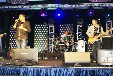 La agrupación Miel San Marcos durante uno de los conciertos