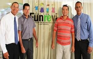 El equipo de trabajo de Funrevi (izq. a der.): José A. Huighue, José Salazar, Genaro Narváez y José Luis Limpio  / VyV