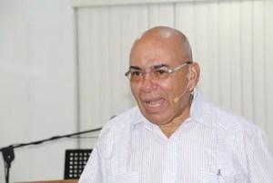 El pastor Díaz dicta conferencias para enseñar a usar los principios bíblicos en la economía venezolana / VyV