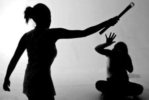 La violencia en la familia se ve en todos los niveles y hacia todos sus mimebros