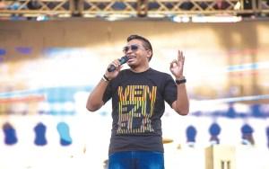El pastor Gabriel Blanco, director de Juventud Libre, llevó una palabra de cambio para la juventud venezolana / JL
