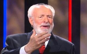 El teólogo Jimmy De Young, asevera que la Biblia señala que dentro del escenario previsto para el fin de los tiempos está la construcción de un templo judío
