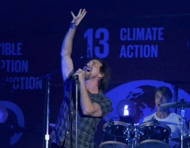 Pearl Jam Ciimate Action