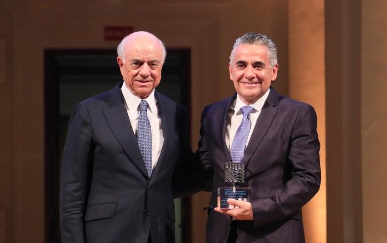 Gerardo Ceballos recibió el Premio BBVA a la Conservación de la Biodiversidad, en el año 2017