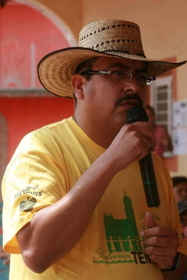 Guadalupe Espinoza cuando fungía como abogado de Temacapulín
