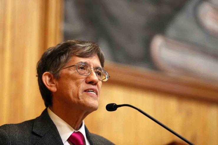 Antonio Lazcano. Foto de la Universidad de Guadalajara