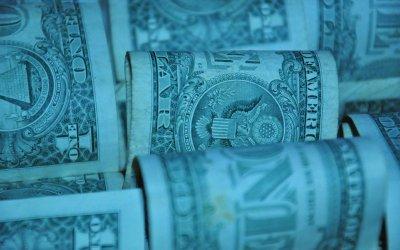 Dollaritulva jatkuu – markkinoilla nähdään jo taantuman uhkaa