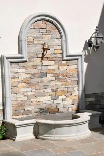 Hand carved stone fountain h=67 w=49, d=28 the above fountian is part of our our imported limestone collection from france. Fontane Da Giardino Cotto Ghisa Marmo O Cemento Verde Pisello