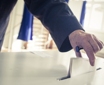 Should Voters' Hands in the Vice Presidential Selection Process Be Tied?