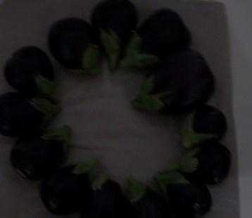 berenjena-de-florencia-negra-redonda