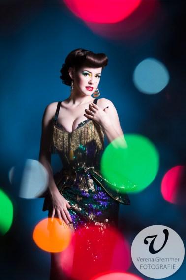 Burlesque Showgirl Hazel Honeysuckle, Foto: Verena Gremmer