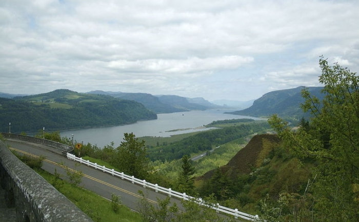 Columbia-River-Highway-in-Oregon.-©-creative-commons