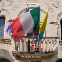 """Notizie dal Palazzo - """"Batti e ribatti"""" Argentieri/Gnudi e la comunicazione del sindaco"""