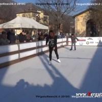 Pista del ghiaccio a Vergato - La Pro Loco apre con autorità e cittadini
