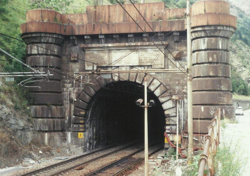 """Il tunnel del Frejus è in regola per Ferrovie Ma la Francia impone """"I treni non si incrocino"""""""