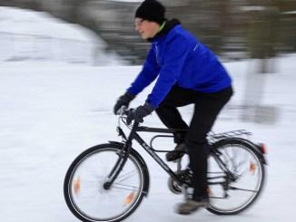 Einer der wichtigsten Faktoren für Zweirad-Ritter im Winter ist die gute Sichtbarkeit. - Foto: dmd/ADFC/Jens Lehmkühler