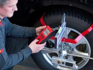 Damit Fahrerassistenzsysteme richtig funktionieren, müssen sie von einem Experten kalibriert werden. - Foto: djd/www.carglass.de