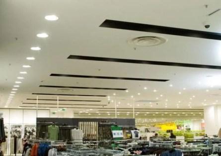 Winkelplafond met Inbouwspots Ventilatie