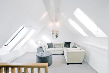 Zolder Kamertje Verlaagd Plafond