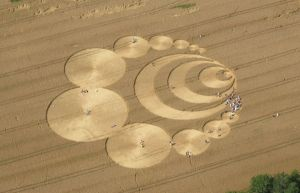 1280px-CropCircleW