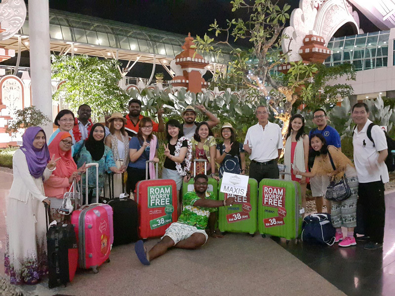 Maxis surprise holiday winners