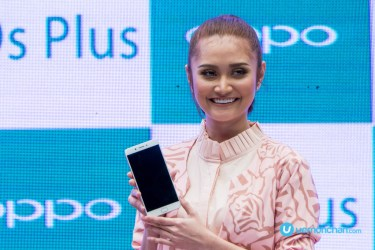 Ayda Jebat OPPO R9s Plus