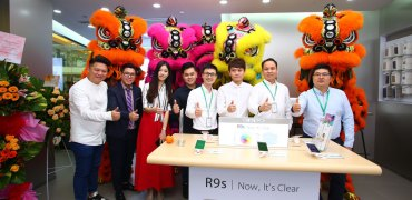 OPPO Flagship Store launch