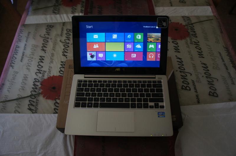 VivoBook S200E