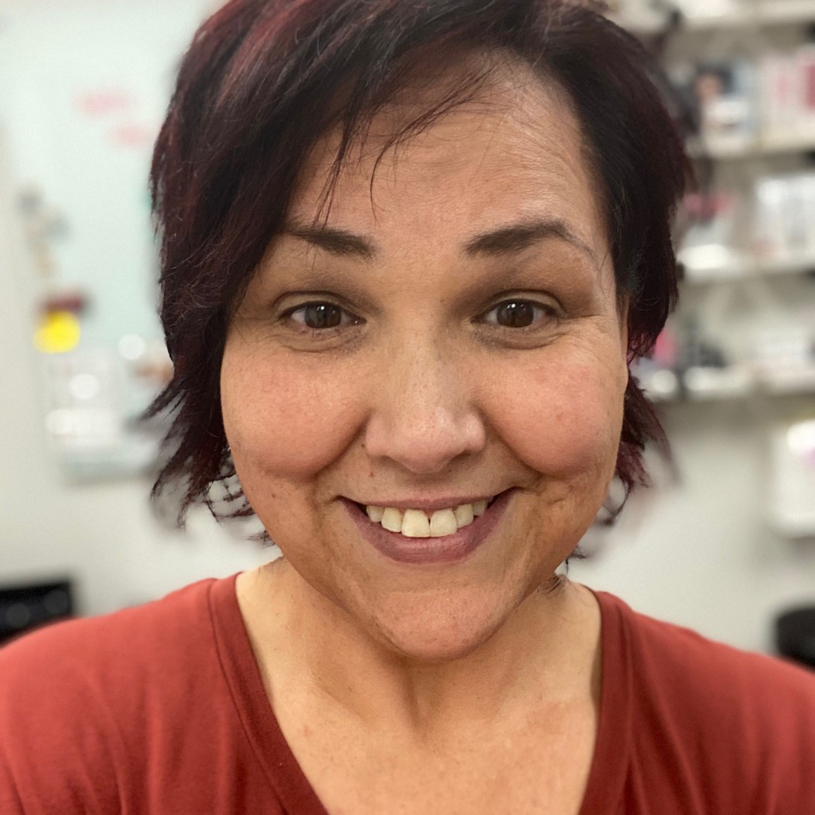 Veronica Bessey, Plano hair stylist