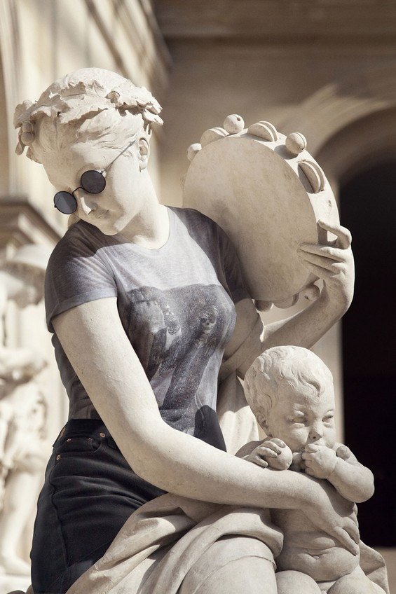classical-sculptures-hipsters-7