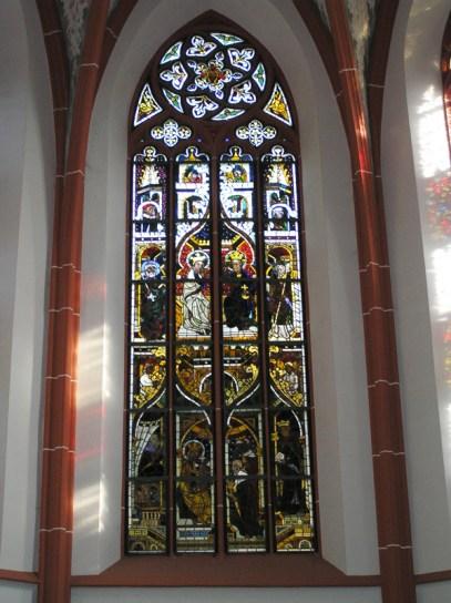 Mariafenster1Burgkirche.JPG