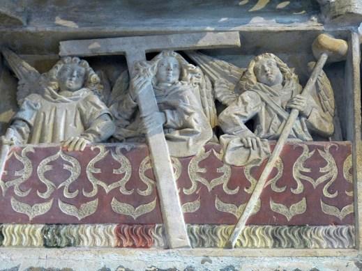 Schwabach_Stadtkirche_-_Sakramentshäuschen_3a_Arma_Christi.jpg