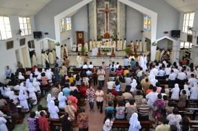 Umat Keuskupan Tanjungkarang melepas Uskup Emeritus Mgr. A. Henrisoesanta