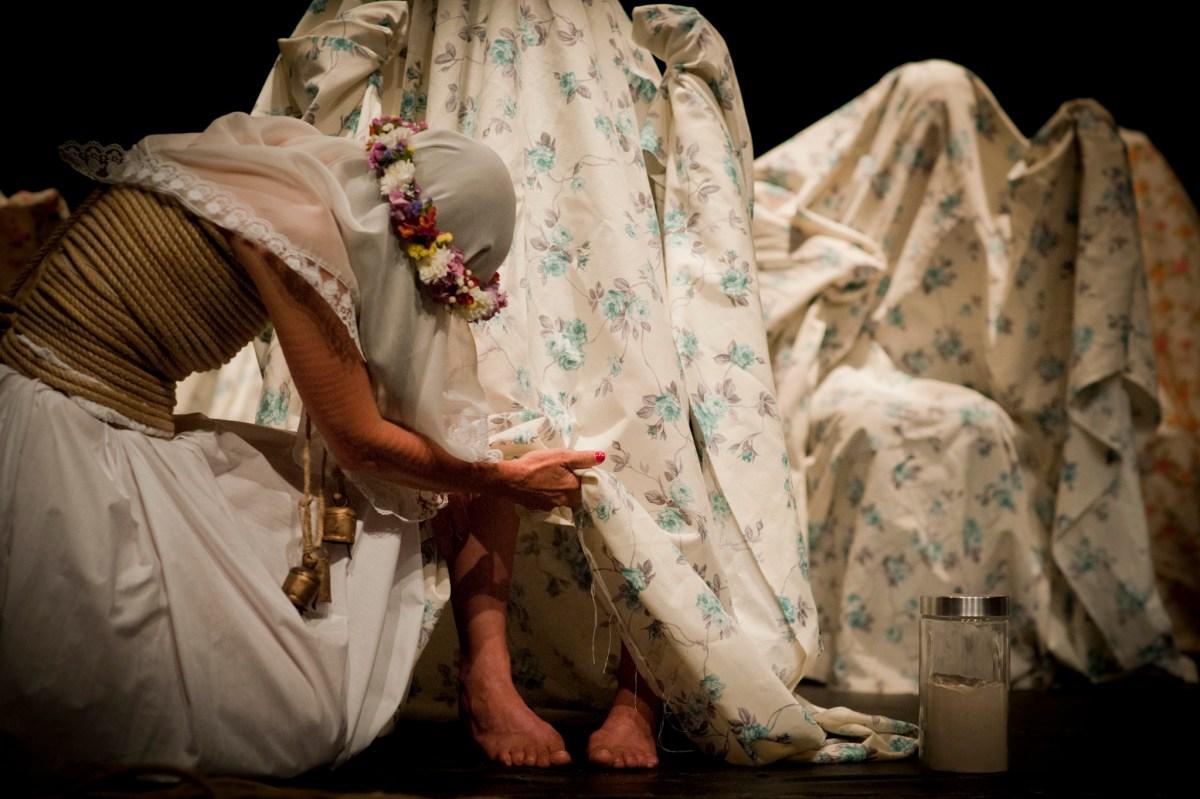 Angelica Lidell au théâtre de Vidy avec Una costilla sobre la mesa: Madre