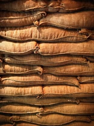 sacks-1836329_640